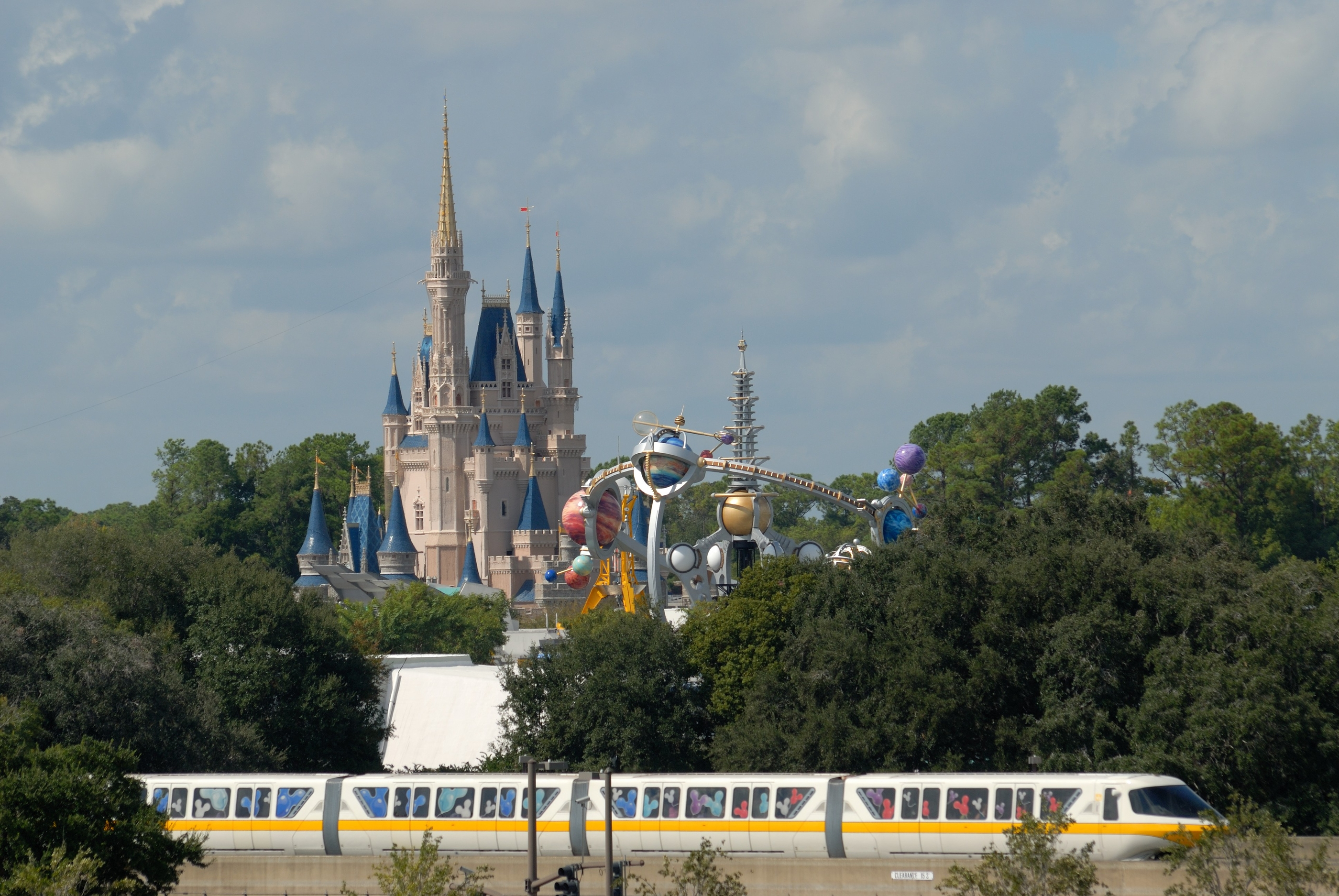 Best Disney World Travel Guides